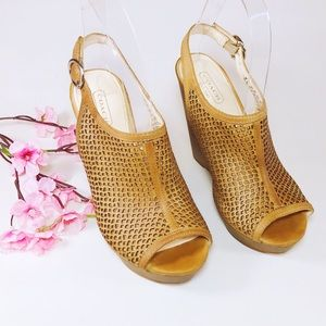 Coach Jaklyn Tan Perforated Peep Toe Wedge Sz 6.5